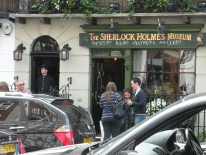 221B Baker Street - Sherlock Holmes Museum (5)