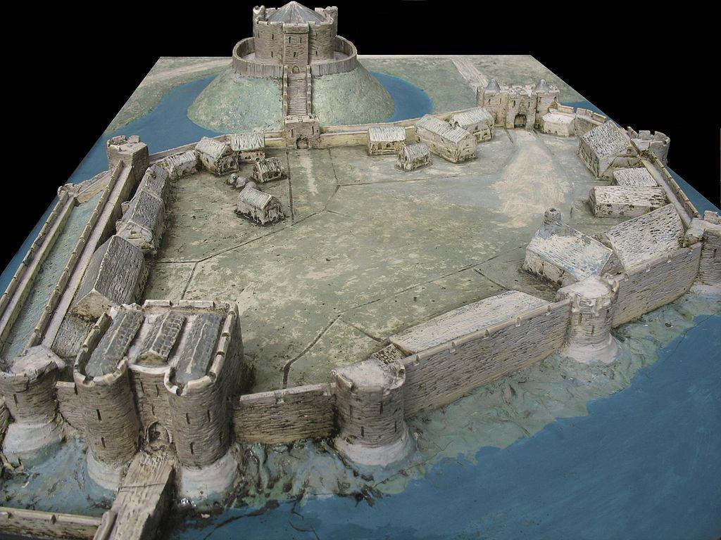 1024px-York_Castle_diorama