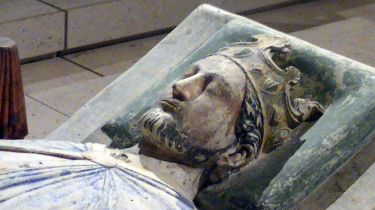 Church_of_Fontevraud_Abbey_Richard_I_effigy